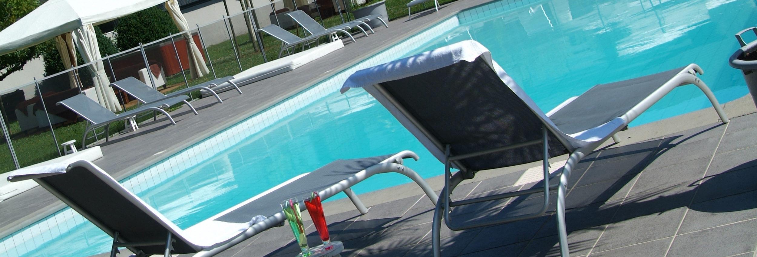 Détente et piscine au Cervolan